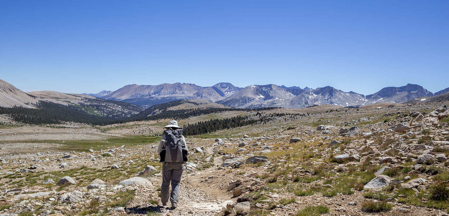 Southbound on the PCT with Kern Cayon and the Kern Ridge in the back.